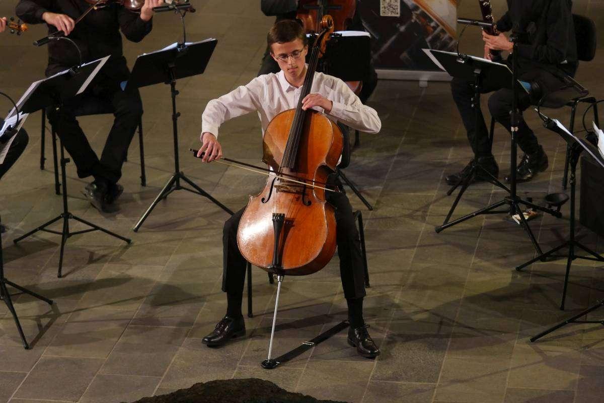 Ung cellosolist, foto: Bjørn Meldgaard