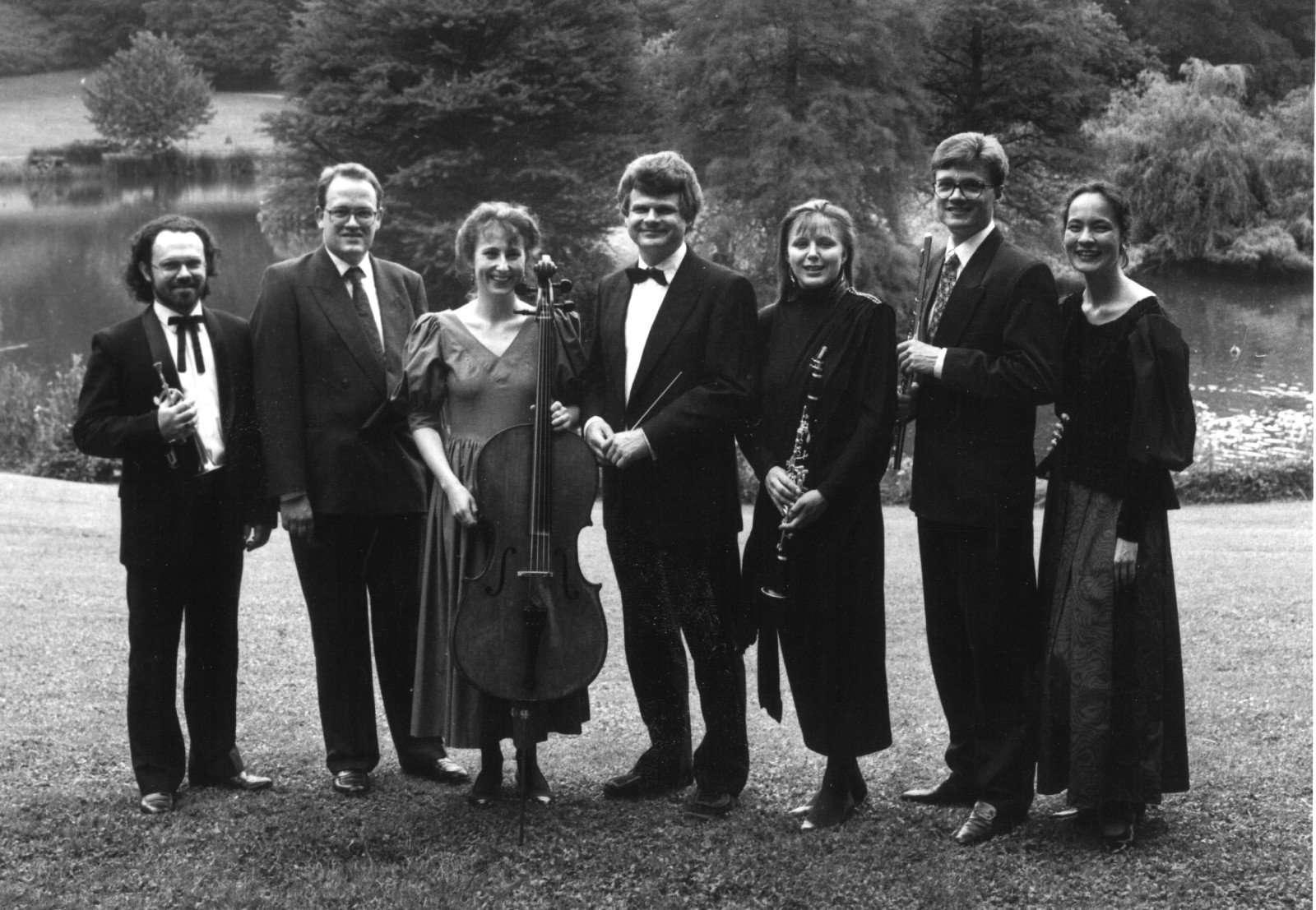 Første pressefoto, ensemblet i Liselund Slotspark, 1991